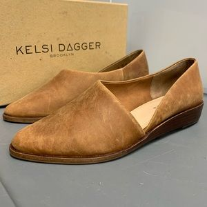 Kelsi Dagger Brooklyn pointed toe leather flats !